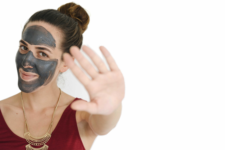 masque-au-charbon-actif-origins-points-noirs